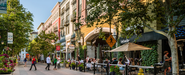 San Jose's Santana Row Attracts Martech Conference Attendees